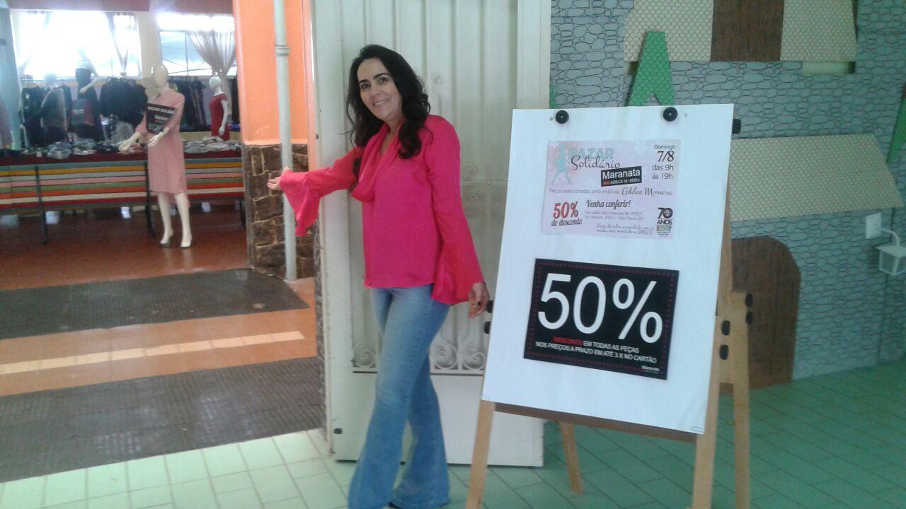 Estilista Adilce Moreira recepcionando